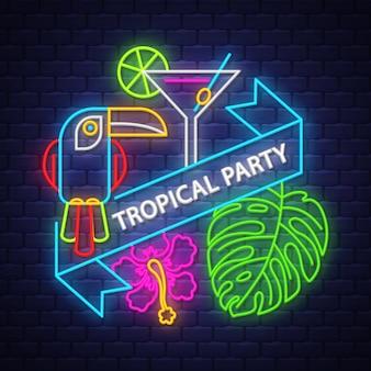 Iscrizione al neon di tropical party con elementi estivi