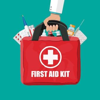 Kit di pronto soccorso medico con pillole e termometro