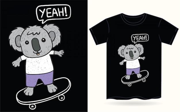Koala disegnato a mano sveglio per la maglietta