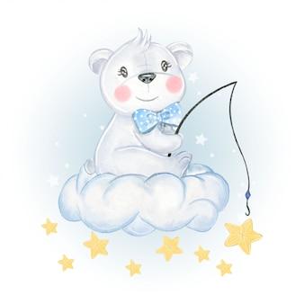 L'orso del bambino si siede sulla stella di pesca delle nuvole
