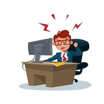 L'uomo arrabbiato di affari che lavora al calcolatore si siede alla scrivania sopra bianco