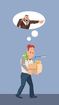 L'uomo infelice infornato porta la scatola di cartone con la roba