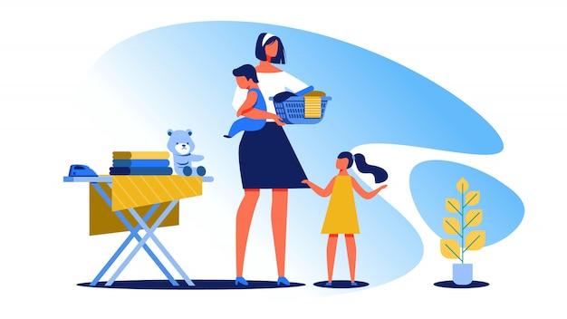 La casalinga con i bambini piccoli pulisce il vettore della casa