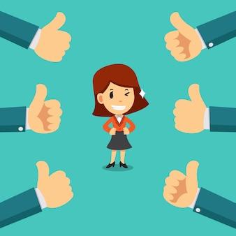 La donna di affari felice con molti pollici aumenta le mani