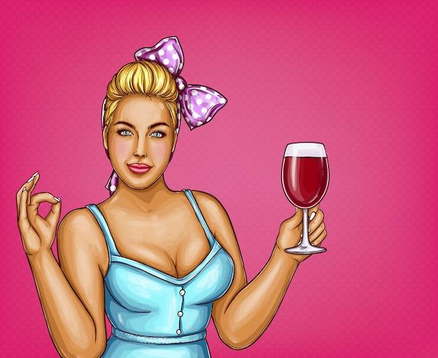La donna sovrappeso bionda tiene il bicchiere di vino. signora grassa in camicia blu, nodo d'arco.