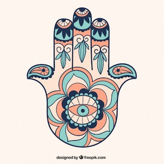 La mano di fatima disegnata a mano ornamento