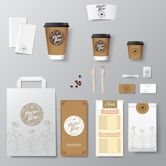 La progettazione del modello di identità corporativa della caffetteria ha messo con il logo della calligrafia. modello da asporto,