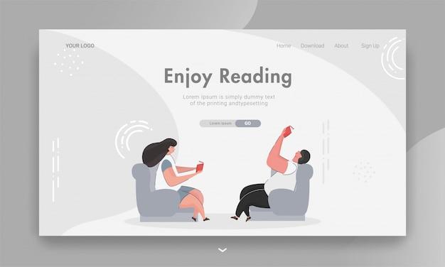 La ragazza e il ragazzo che leggono un libro si siedono sul sofà per godono leggendo l'insegna di web basata.