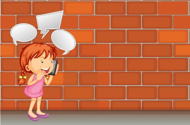 La ragazza parla al telefono