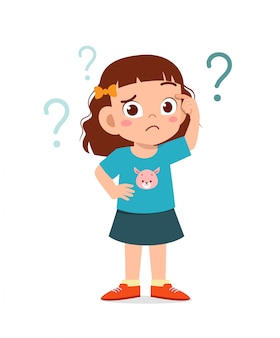 La ragazza sveglia del bambino pensa con il punto interrogativo