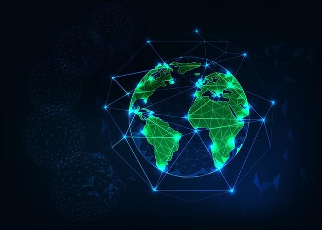 La vista del pianeta terra da spazio con i continenti verdi profila il fondo astratto.