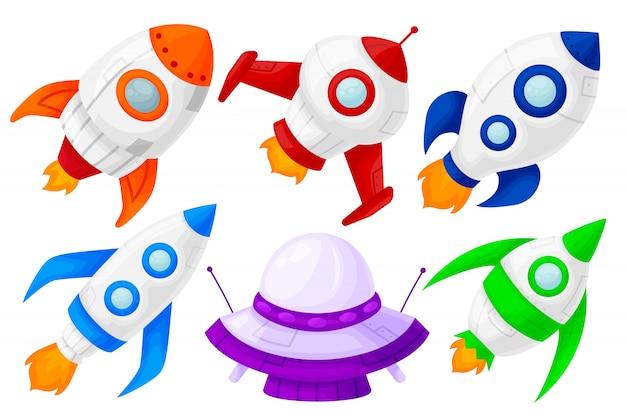 Lancio di razzi spaziali, diverse forme e colori.