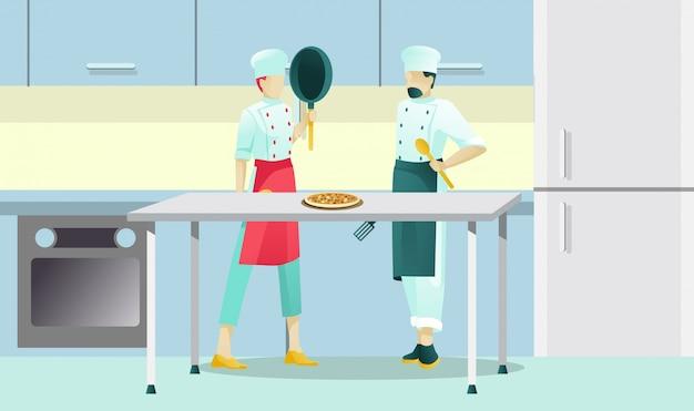 Lavoratori maschii della pizzeria che cucinano pizza italiana saporita