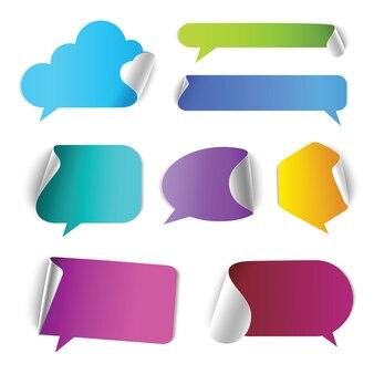 Le bolle di chat di conversazione richiamano il set di elementi di arricciatura della pagina del bordo della scatola.