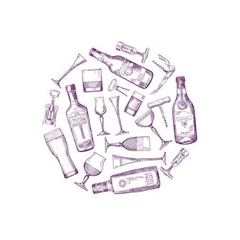 Le bottiglie ed i vetri disegnati a mano della bevanda dell'alcool di vettore si sono riuniti nell'illustrazione del cerchio