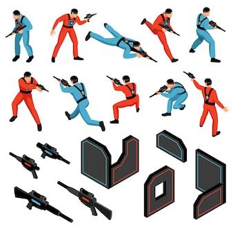 Le icone isometriche dei giocatori delle pistole degli obiettivi degli ingranaggi sensibili degli ingranaggi del gioco delle munizioni del gioco dell'etichetta del laser messe hanno isolato l'illustrazione di vettore