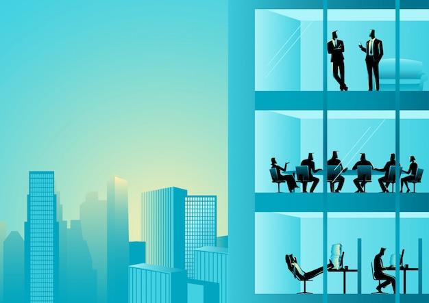 Le persone che lavorano in un edificio per uffici