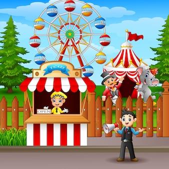 Le persone che lavorano nel parco dei divertimenti