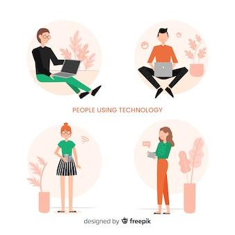 Le persone che utilizzano la raccolta di dispositivi tecnologici