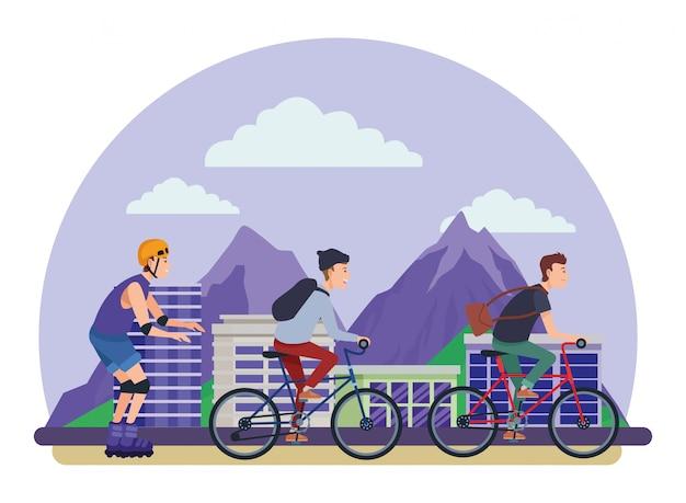 Le persone con bici e pattini