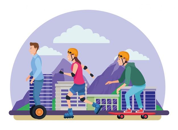 Le persone con scooter e skateboard