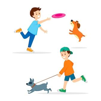 Le persone trascorrono del tempo e giocano con i cani