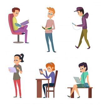 Libri di lettura maschio e femmina di diverse persone