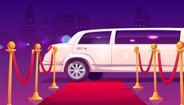 Limousine a tappeto rosso vuoto con barriera di corda.