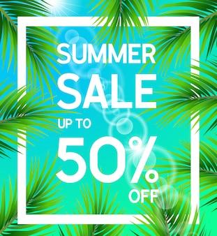 Locandina di vendita estiva fino al 50% di sconto con foglie di palma