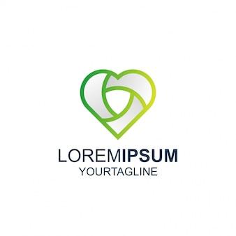 Logo d'ispirazione impressionante di love shield