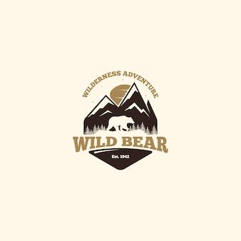Logo dell'orso selvaggio. logo del campo all'aperto