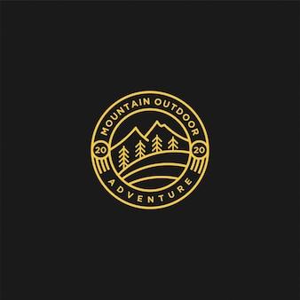 Logo della natura di montagna all'aperto
