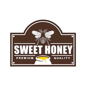 Logo design, badge, banner, pubblicità sui social media ed etichette per prodotti a base di miele