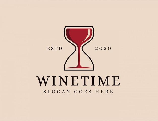 Logo di tempo di bicchiere di vino e sabbia