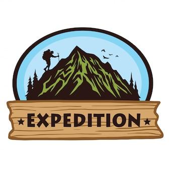 Logo per camping escursionismo in montagna avventura, emblemi e distintivi.
