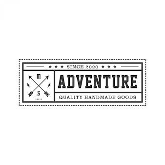 Logo per la caccia con elementi a freccia, logo per esterni con stile emblema vintage