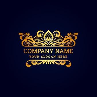 Logo reale di lusso vintage con ornamento decorativo