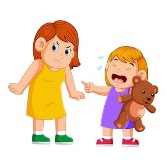 Madre arrabbiata con sua figlia