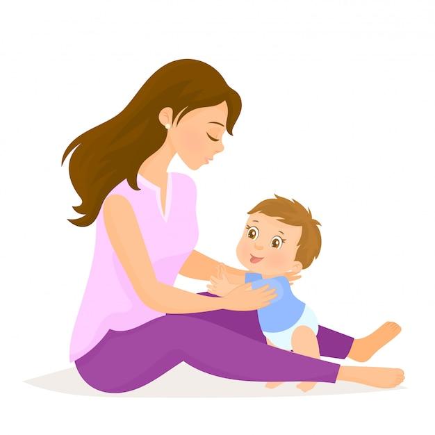 Madre che abbraccia il figlio piccolo