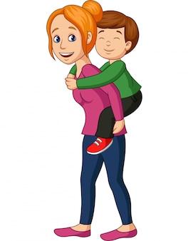 Madre dando il suo figlio sulle spalle