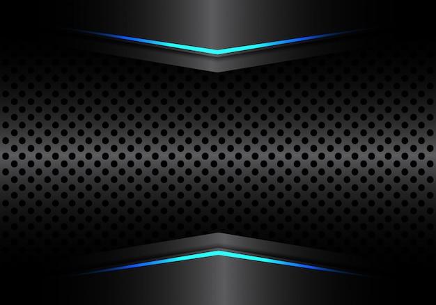 Maglia metallica nera circolare con sfondo chiaro di freccia blu