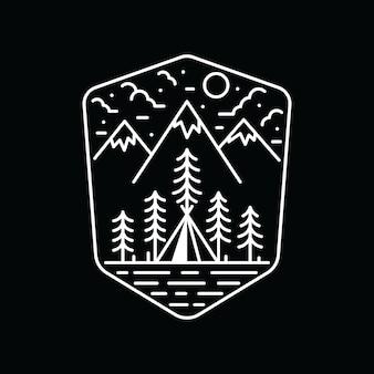 Maglietta rampicante di campeggio dell'illustrazione grafica di avventura di natura dell'escursione di campeggio