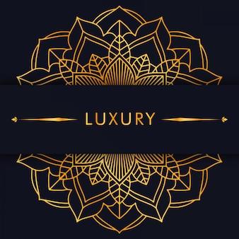 Mandala d'oro di lusso su sfondo nero