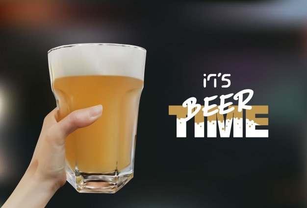 Mano che tiene un bicchiere di birra. vector illustrazioni vettoriali realistici