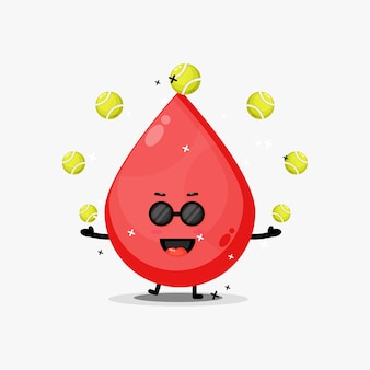 Mascotte di sangue carino giocando a palla da tennis