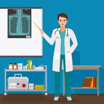 Medico che controlla la pellicola a raggi x dei polmoni