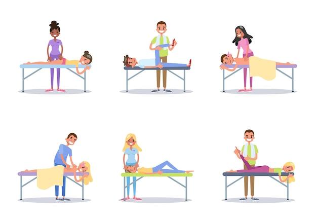 Medico che fa il massaggio al set di persone.