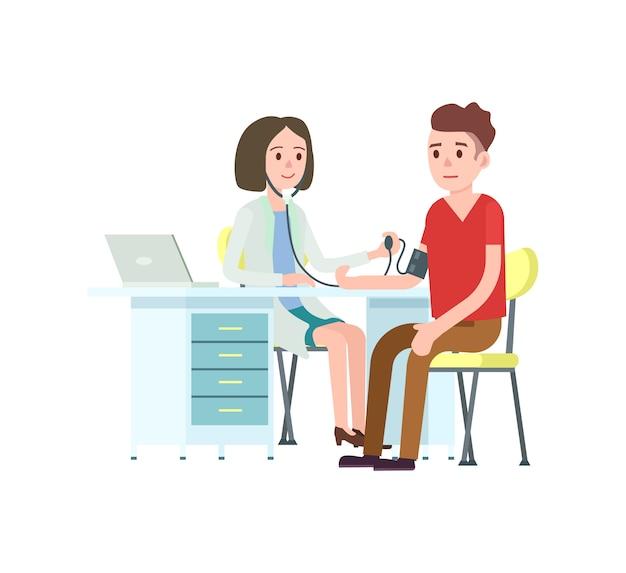 Medico e paziente che misurano la pressione sanguigna