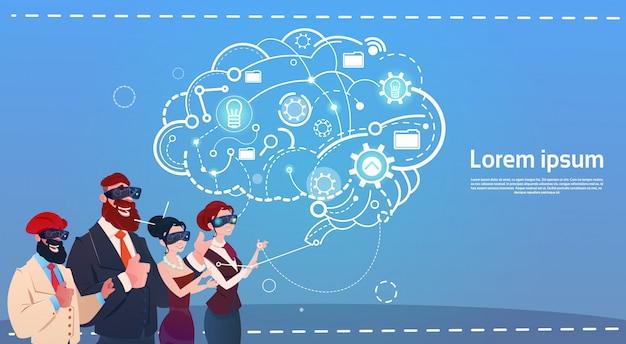 Mescoli la gente della corsa del gruppo facendo uso di idee di comunicazione della rete sociale dei lavoratori a distanza di brainstorming degli aggeggi
