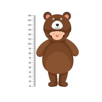 Metro a muro con costume da orso
